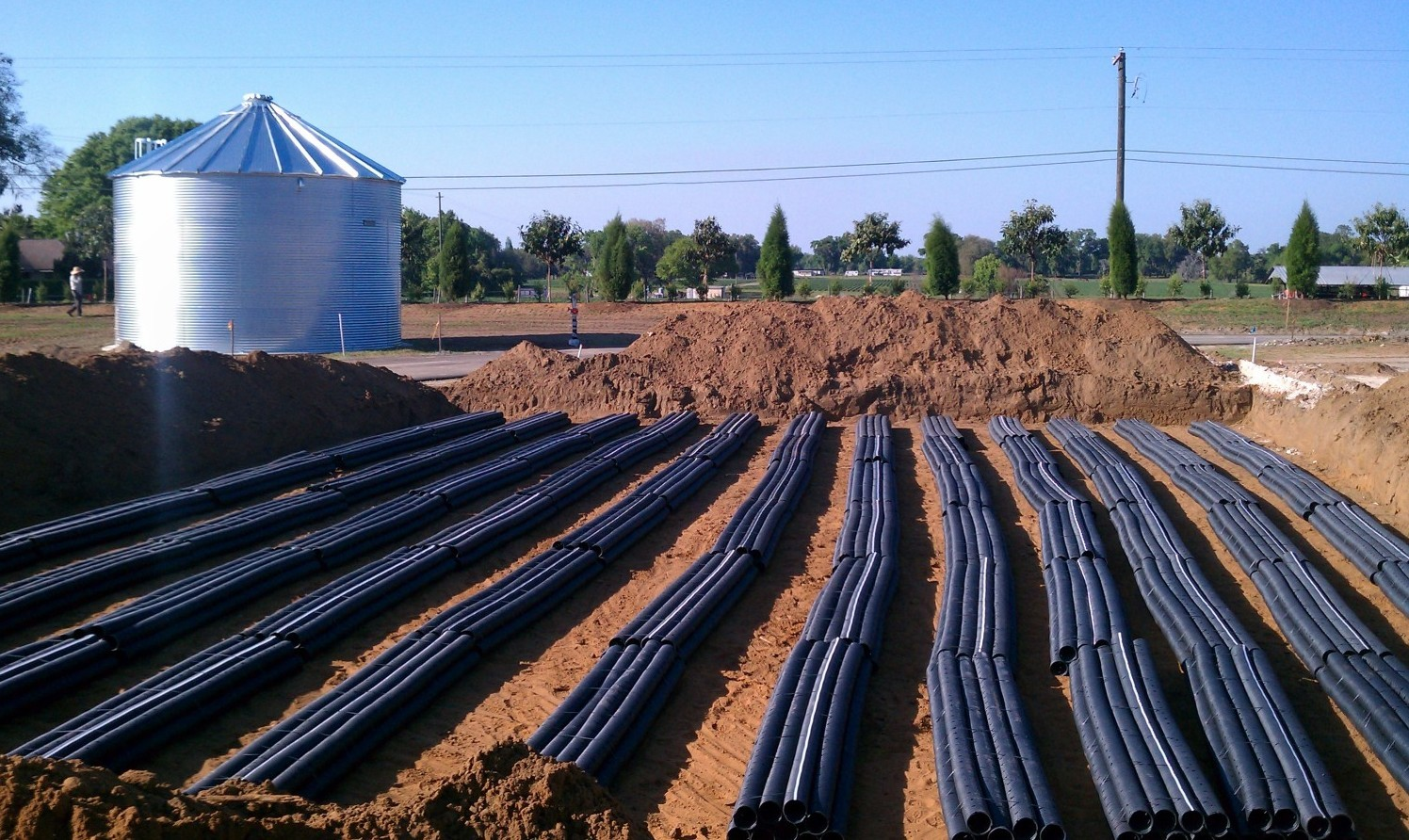 Business Septic System-San Diego Septic Tank Repair, Installation, & Pumping Service Pros-We do septic tank pumping, tank repairs, septic tank installations, 24/7 emergency septic services, septic tank replacement, inspections, drain cleaning, high velocity water jetting, septic system cleaning, pump-outs, septic tank maintenance, and more