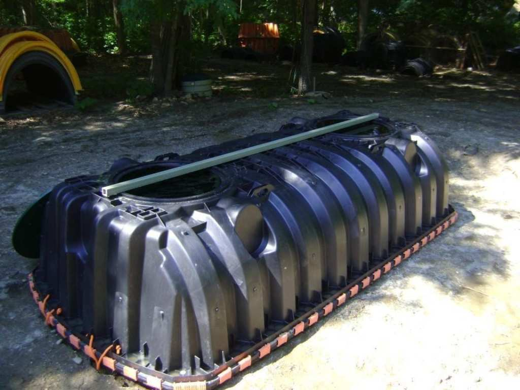 Septic tank 1500 gallon-San Diego Septic Tank Repair, Installation, & Pumping Service Pros-We do septic tank pumping, tank repairs, septic tank installations, 24/7 emergency septic services, septic tank replacement, inspections, drain cleaning, high velocity water jetting, septic system cleaning, pump-outs, septic tank maintenance, and more