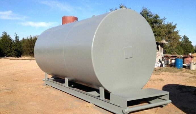Septic tank 2000 gallon-San Diego Septic Tank Repair, Installation, & Pumping Service Pros-We do septic tank pumping, tank repairs, septic tank installations, 24/7 emergency septic services, septic tank replacement, inspections, drain cleaning, high velocity water jetting, septic system cleaning, pump-outs, septic tank maintenance, and more