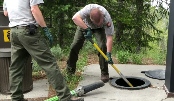 Septic tank cleaning near me-San Diego Septic Tank Repair, Installation, & Pumping Service Pros-We do septic tank pumping, tank repairs, septic tank installations, 24/7 emergency septic services, septic tank replacement, inspections, drain cleaning, high velocity water jetting, septic system cleaning, pump-outs, septic tank maintenance, and more