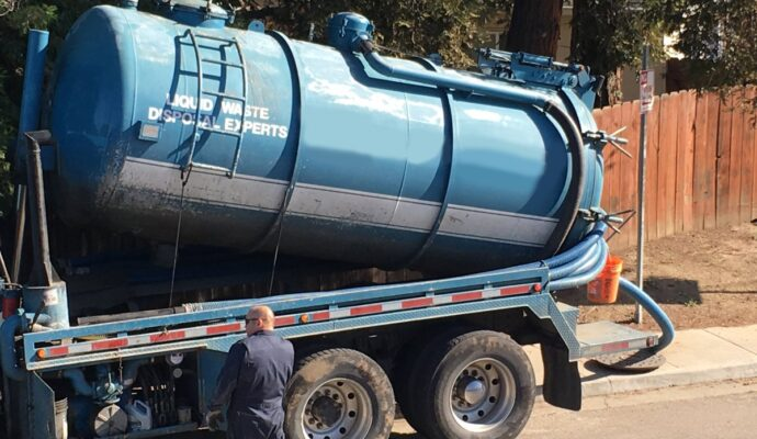 Septic tank companies-San Diego Septic Tank Repair, Installation, & Pumping Service Pros-We do septic tank pumping, tank repairs, septic tank installations, 24/7 emergency septic services, septic tank replacement, inspections, drain cleaning, high velocity water jetting, septic system cleaning, pump-outs, septic tank maintenance, and more