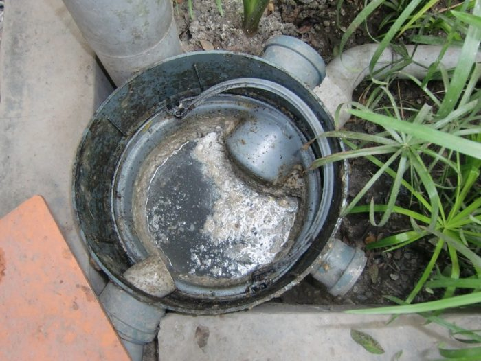Septic tank grease trap-San Diego Septic Tank Repair, Installation, & Pumping Service Pros-We do septic tank pumping, tank repairs, septic tank installations, 24/7 emergency septic services, septic tank replacement, inspections, drain cleaning, high velocity water jetting, septic system cleaning, pump-outs, septic tank maintenance, and more