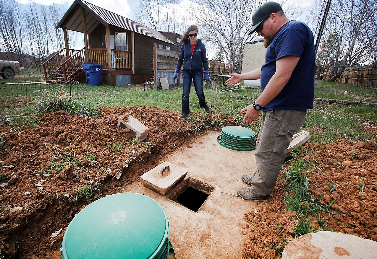 Septic tank inspection near me-San Diego Septic Tank Repair, Installation, & Pumping Service Pros-We do septic tank pumping, tank repairs, septic tank installations, 24/7 emergency septic services, septic tank replacement, inspections, drain cleaning, high velocity water jetting, septic system cleaning, pump-outs, septic tank maintenance, and more