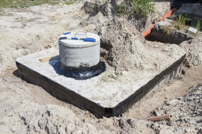 Septic tank maintenance-San Diego Septic Tank Repair, Installation, & Pumping Service Pros-We do septic tank pumping, tank repairs, septic tank installations, 24/7 emergency septic services, septic tank replacement, inspections, drain cleaning, high velocity water jetting, septic system cleaning, pump-outs, septic tank maintenance, and more
