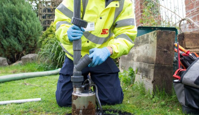 Septic tank pump out near me-San Diego Septic Tank Repair, Installation, & Pumping Service Pros-We do septic tank pumping, tank repairs, septic tank installations, 24/7 emergency septic services, septic tank replacement, inspections, drain cleaning, high velocity water jetting, septic system cleaning, pump-outs, septic tank maintenance, and more