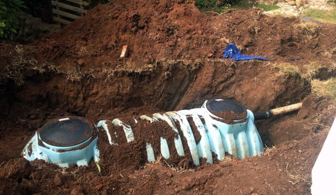 Septic tank removal-San Diego Septic Tank Repair, Installation, & Pumping Service Pros-We do septic tank pumping, tank repairs, septic tank installations, 24/7 emergency septic services, septic tank replacement, inspections, drain cleaning, high velocity water jetting, septic system cleaning, pump-outs, septic tank maintenance, and more