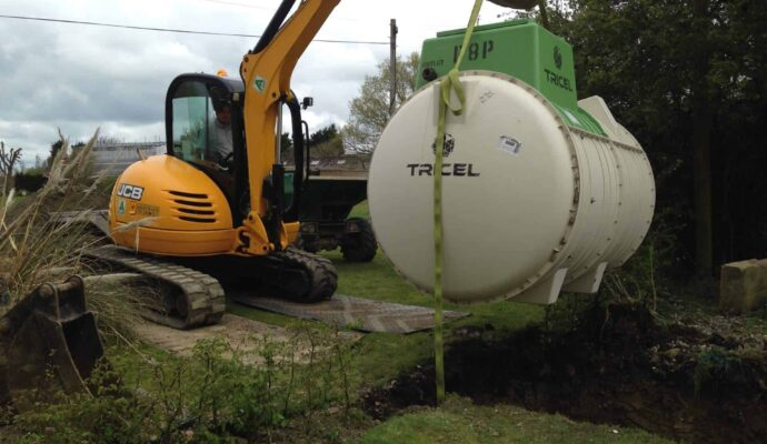 Septic tank removal cost-San Diego Septic Tank Repair, Installation, & Pumping Service Pros-We do septic tank pumping, tank repairs, septic tank installations, 24/7 emergency septic services, septic tank replacement, inspections, drain cleaning, high velocity water jetting, septic system cleaning, pump-outs, septic tank maintenance, and more