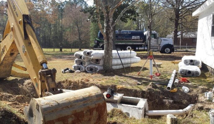 Septic tank service-San Diego Septic Tank Repair, Installation, & Pumping Service Pros-We do septic tank pumping, tank repairs, septic tank installations, 24/7 emergency septic services, septic tank replacement, inspections, drain cleaning, high velocity water jetting, septic system cleaning, pump-outs, septic tank maintenance, and more