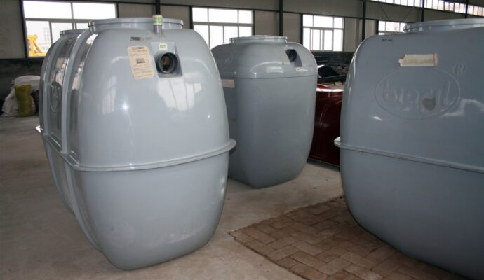 Septic tank suppliers-San Diego Septic Tank Repair, Installation, & Pumping Service Pros-We do septic tank pumping, tank repairs, septic tank installations, 24/7 emergency septic services, septic tank replacement, inspections, drain cleaning, high velocity water jetting, septic system cleaning, pump-outs, septic tank maintenance, and more