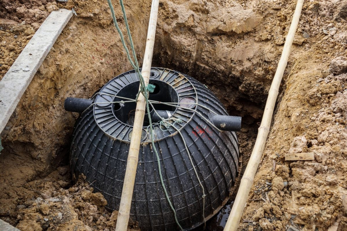 Who pumps septic tanks near me-San Diego Septic Tank Repair, Installation, & Pumping Service Pros-We do septic tank pumping, tank repairs, septic tank installations, 24/7 emergency septic services, septic tank replacement, inspections, drain cleaning, high velocity water jetting, septic system cleaning, pump-outs, septic tank maintenance, and more