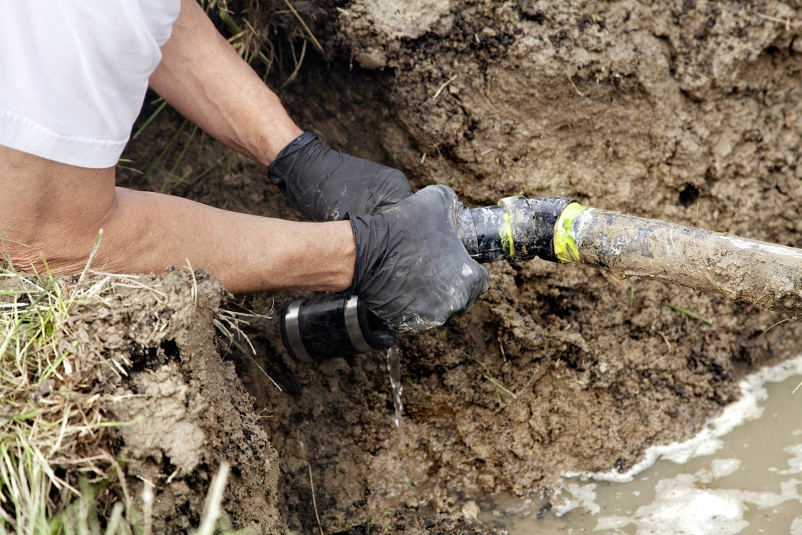 La presa-San Diego Septic Tank Repair, Installation, & Pumping Service Pros-We do septic tank pumping, tank repairs, septic tank installations, 24/7 emergency septic services, septic tank replacement, inspections, drain cleaning, high velocity water jetting, septic system cleaning, pump-outs, septic tank maintenance, and more